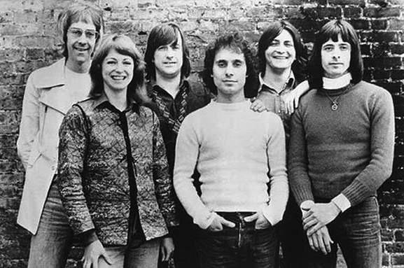 John Hawken, Jane Relf, Jim McCarty, Louis Cennamo, John Knightsbridge e Eddie McNeil