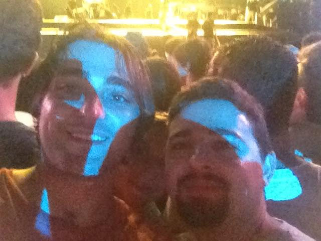 Com o consultor Fernando no show do Bruce Springsteen, no RIR 2013 (a noiva no meio deles)