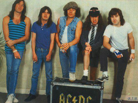 AC DC com Brian
