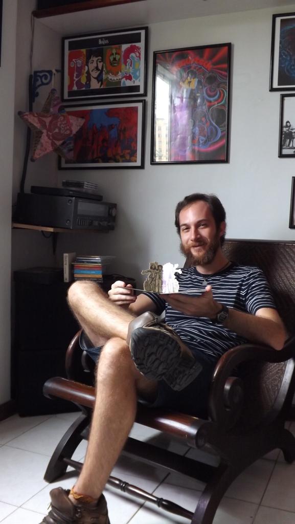 O fã com uma raridade (prensagem holandesa em Mini-LP de Stand Up, do Jethro Tull)