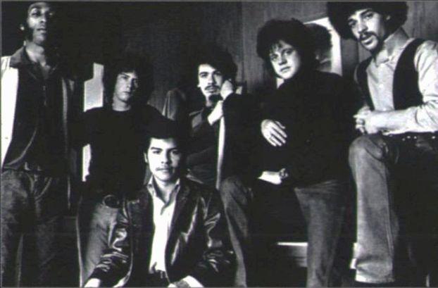 Em uma das várias formações da banda Santana