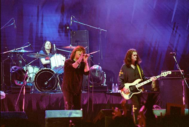 Em 2004, dividindo o palco com Glenn Hughes