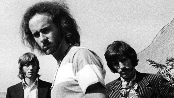 Ray Manzarek, Robbie Krieger e John Paul Densmore. The Doors vivo, mas sem Morrison