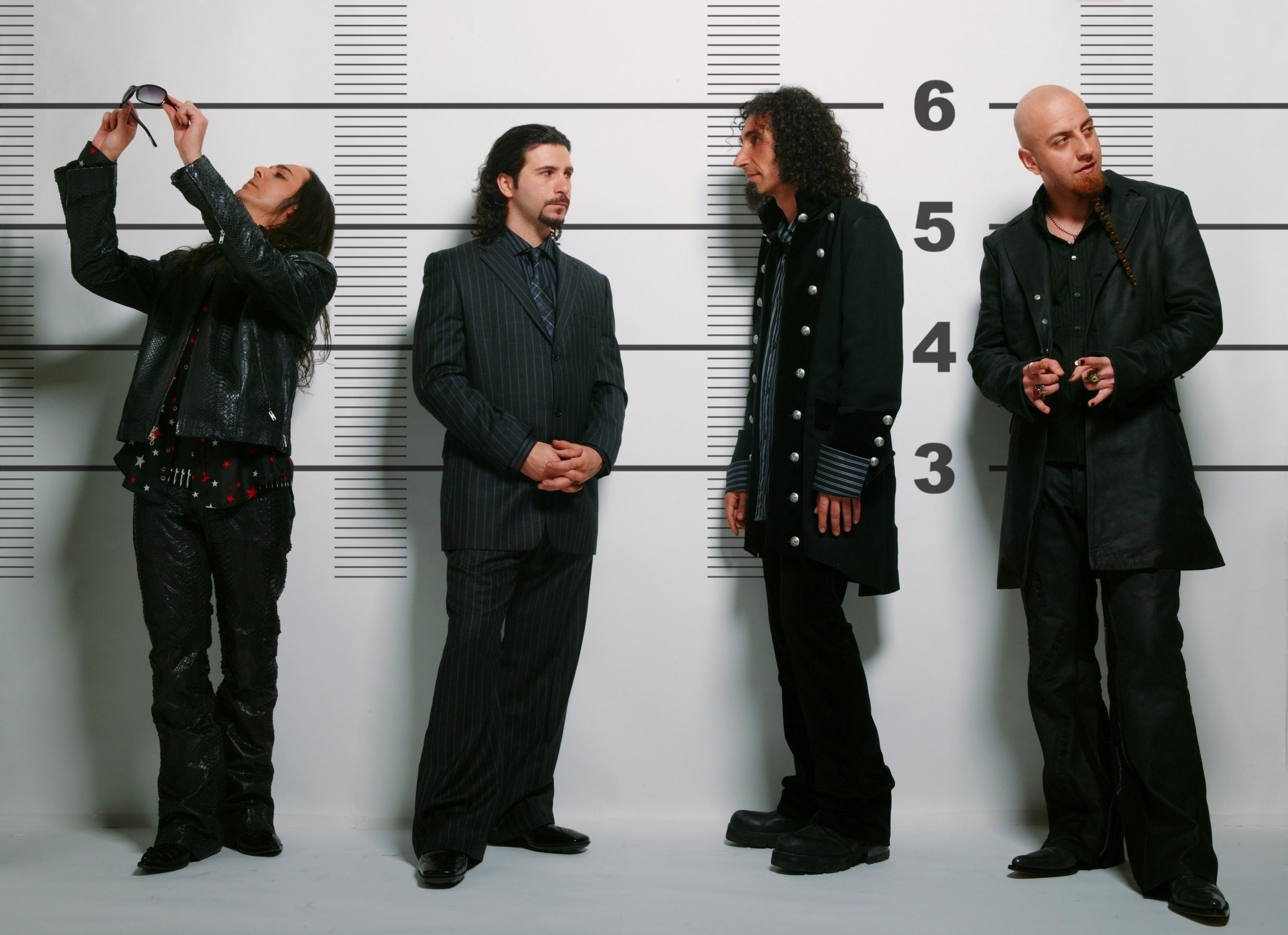 System of a Down: Daron Malakian, John Dolmayan, Serj Tankian e Shavo Odadjian