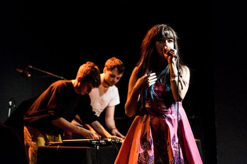 Jaime, Gus e Sarah, ao vivo (foto: Armin Rudelstorfer)